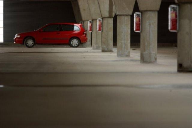 Tjednima tražio automobil parkiran u višekatnoj garaži