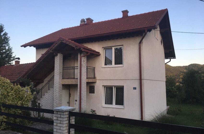Nova povoljnija cijena:Prodaje se namještena kuća u Zeničkom Putu